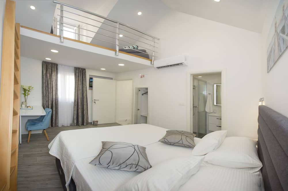 Deluxe Double rooms, shared terrace - Chambre