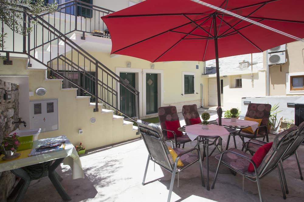 Comfort Double room, shared terrace - Lanai