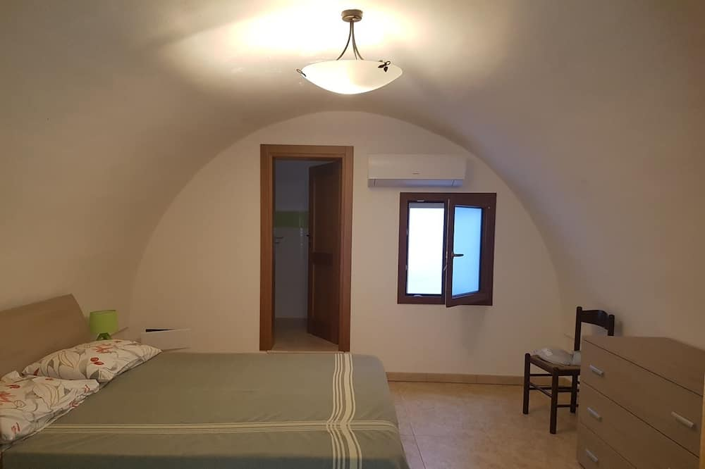 Basic Double or Twin Room, City View - Guest Room