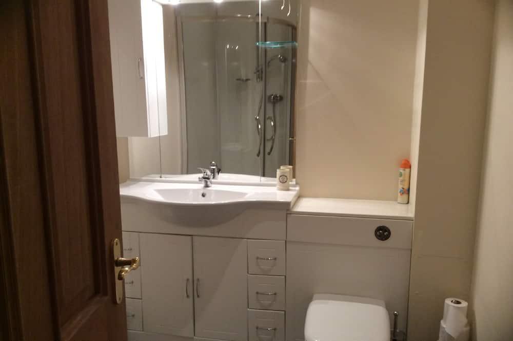 4 人部屋 ダブルベッド 2 台 (Room 2) - バスルーム