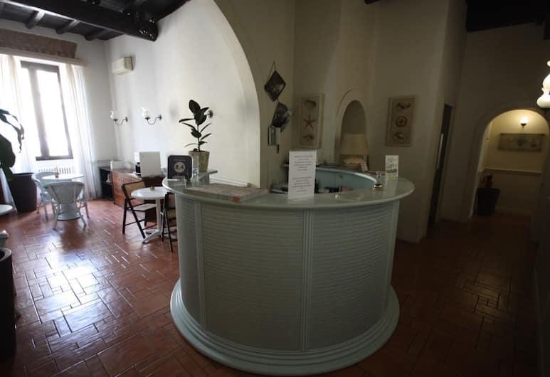 安得瑞拉飯店, 羅馬, 櫃台