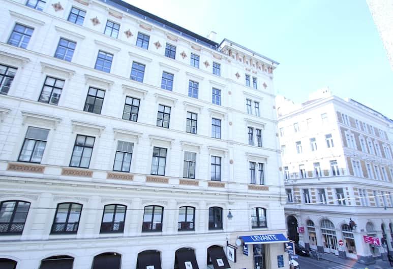Edelweiss City Apartments State Opera, Viyana, Otelden görünüm