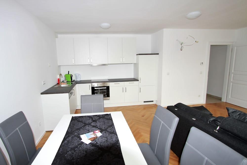 Luxury Penthouse, 1 Bedroom, City View - Living Room
