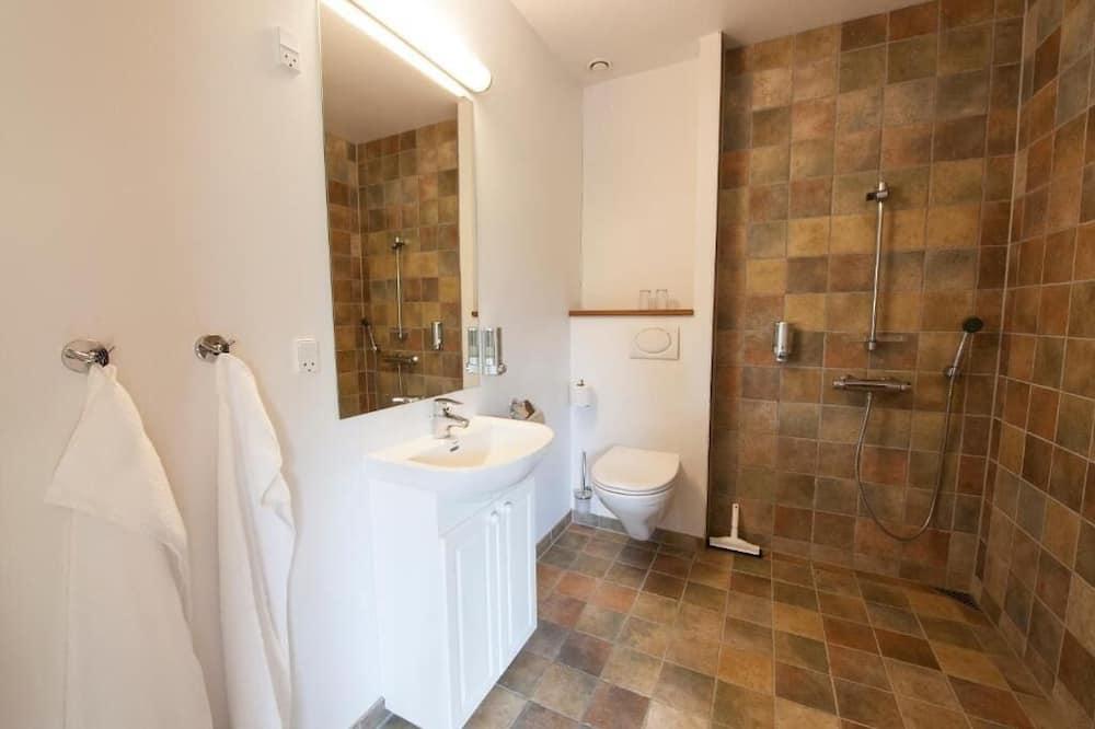 Superior Double Room (Annex) - Bathroom