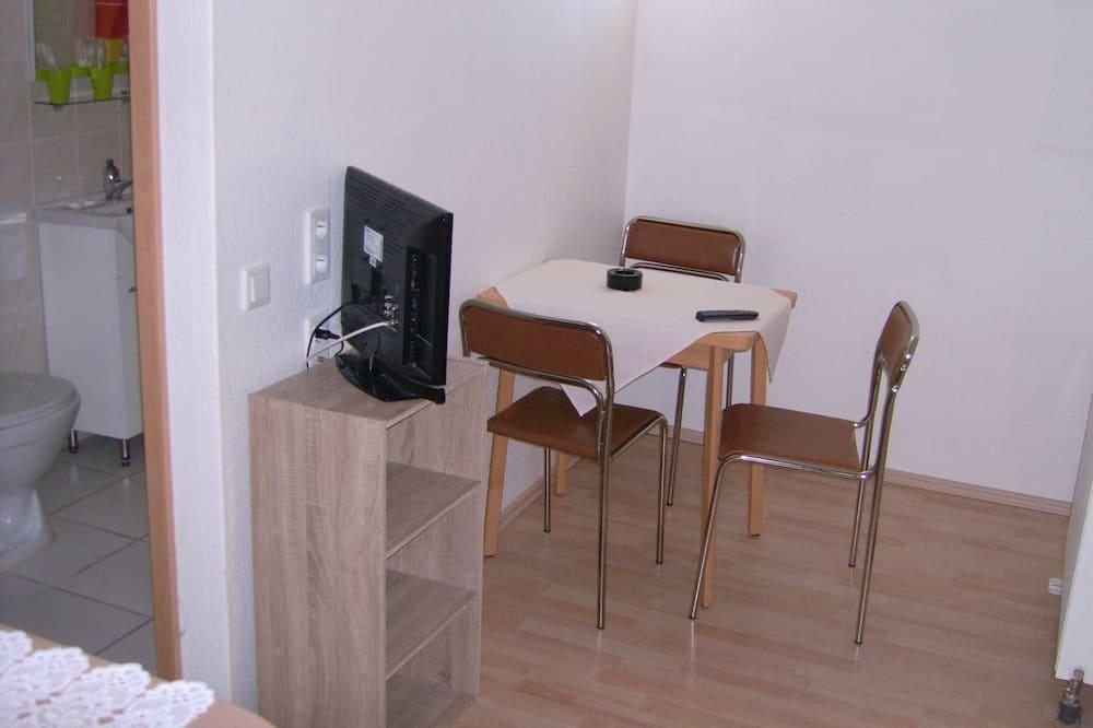 Departamento, 2 habitaciones - Servicio de comidas en la habitación