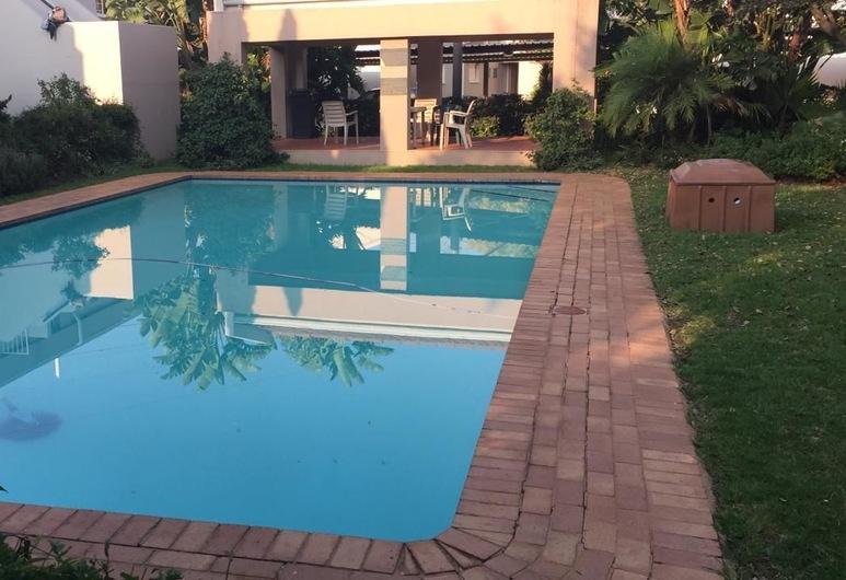 PoloFields 79 , Midrand, Pool