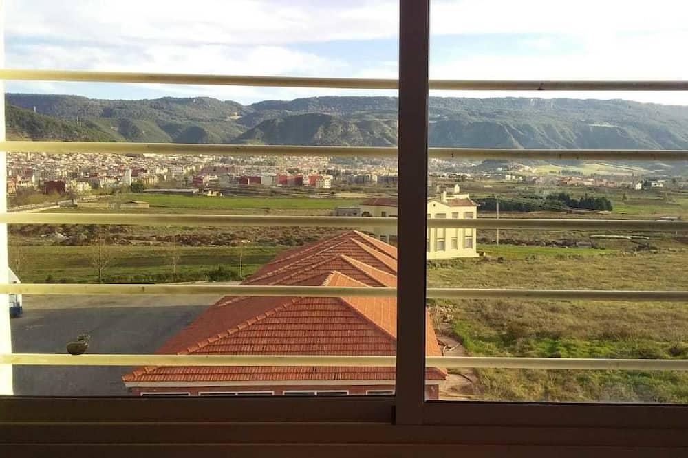 Výhľad do krajiny z ubytovacieho zariadenia