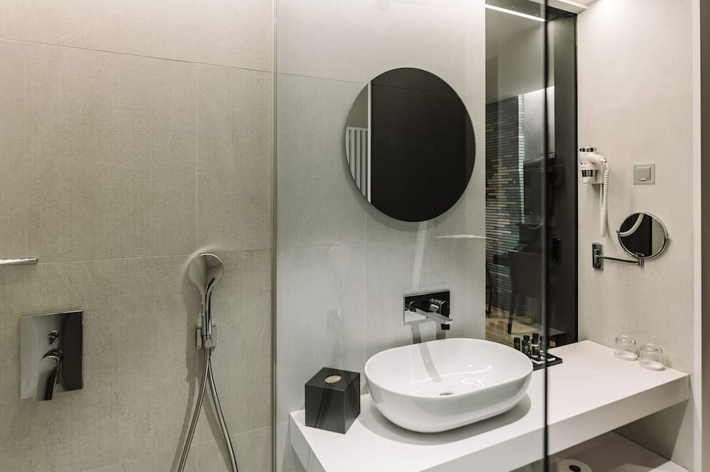 Comfort Twin Room, 2 Twin Beds - Bathroom