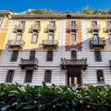 Menotti Apartment