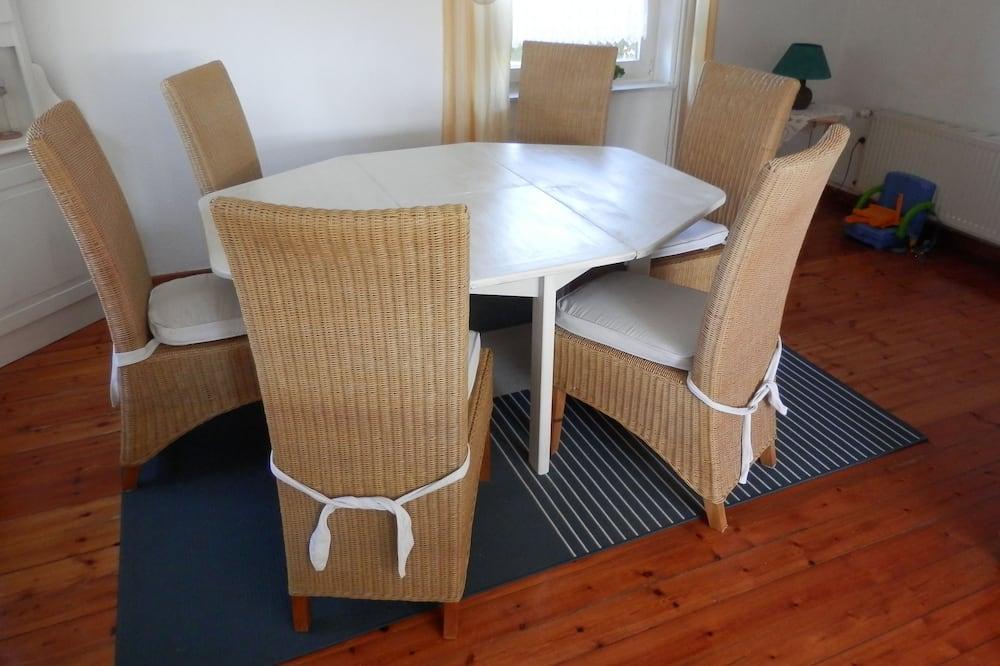 Standard ház (incl. 70 EUR cleaning fee) - Étkezés a szobában