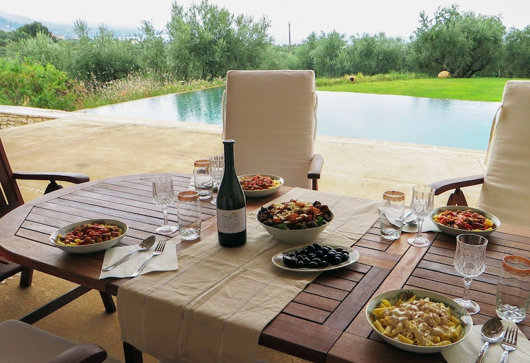 Luxurious Sea & Olive Private Villa - Pool, Kalamata, Outdoor Dining