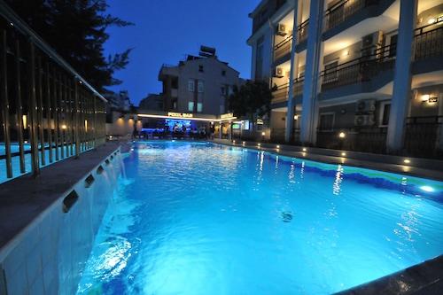 瑟瑪俱樂部公寓酒店/