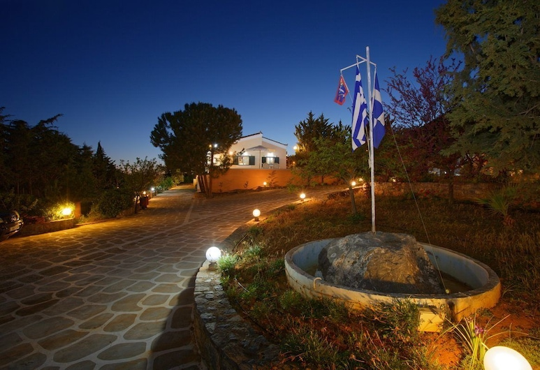 Villa AnnaMaria, Minoa Pediada, Vrt