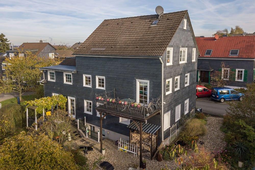 "Holiday Apartment ""zum Schieferhaus"""
