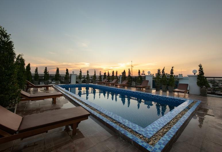 Azalea Parkview Hotel, Vientiane, Pool
