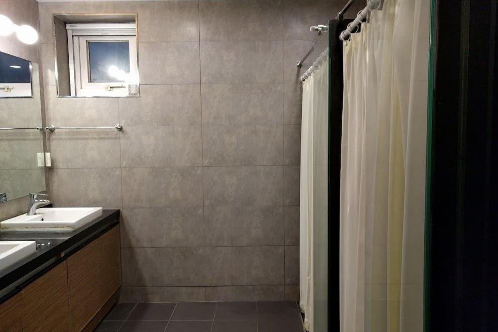 Phòng tập thể (Dol: Stone) - Phòng tắm