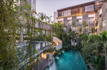 תמונה של Baitong Hotel & Resort בפנום פן