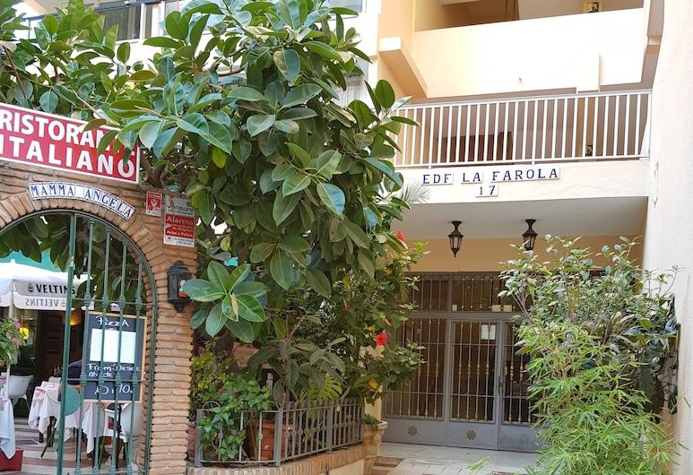 Marbella Beach Centre 1 bedroom Farola, Marbella, Ingang van de accommodatie