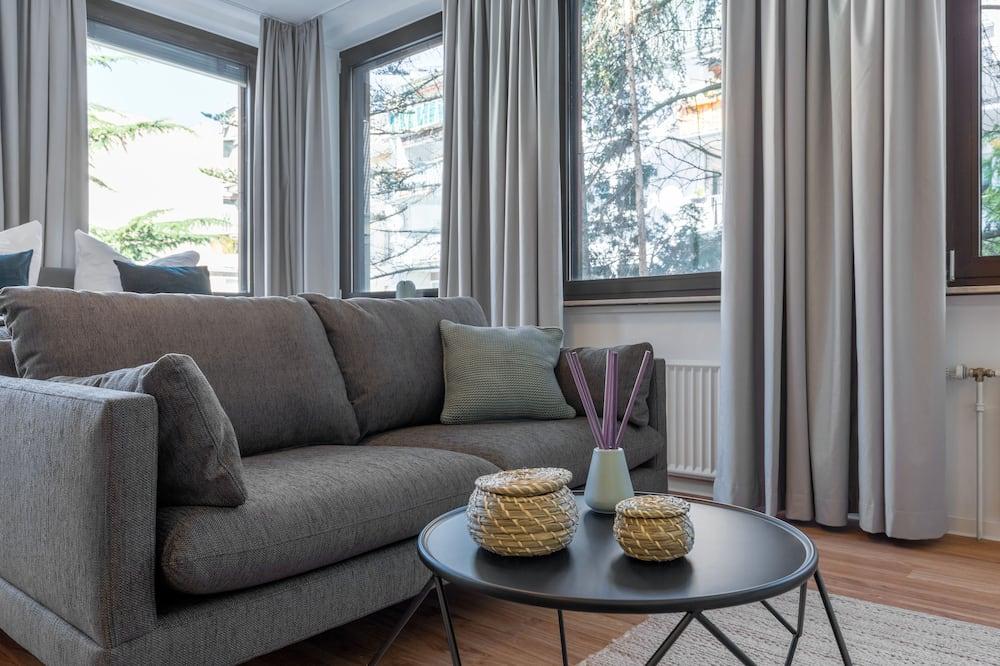 Standard Studio Suite, 1 Double Bed - Living Area