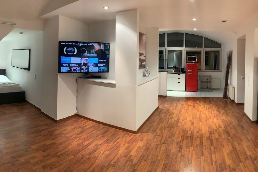 Design-Studiosuite, Stadtblick (inkl. Endreinigungsgebühr €59) - Wohnbereich