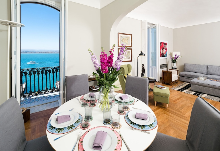 Duomo Suite, Syracuse, Apartment, 2 Bedrooms, Living Room