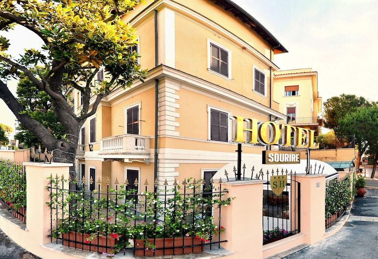 Sourire Hotel, Rím