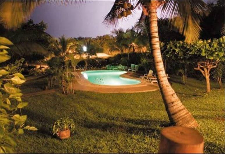 Hotel Tatanka, Veintisiete de Abril, Vonkajší bazén