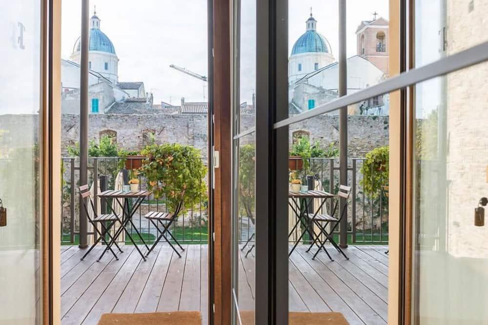 Classic Double Room - Balcony View