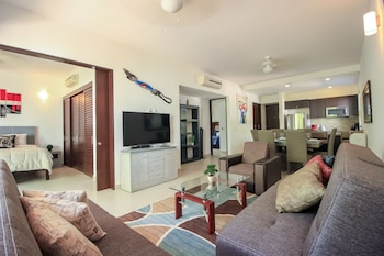 Gambar Family 2 BR Condo with Terrace within Golf course di Akumal