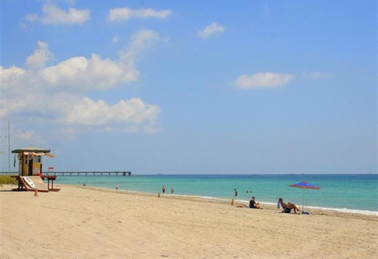 Ocean View 2/1 for 8 1/2 Block to Beach With Patio, Hollywood, Beach