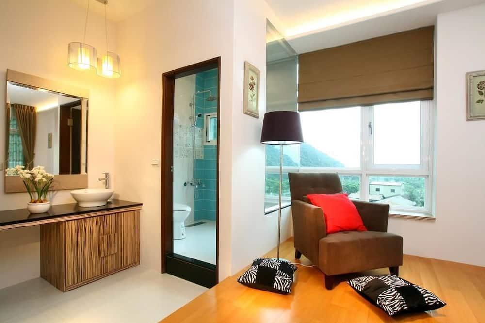 Elite Quadruple Room - Bathroom