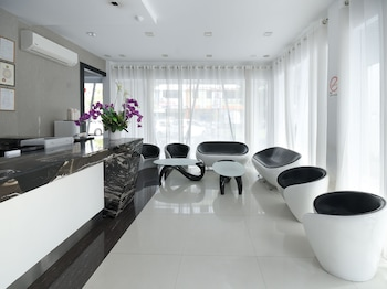Picture of OYO 977 Hong Kong Suites in Miri