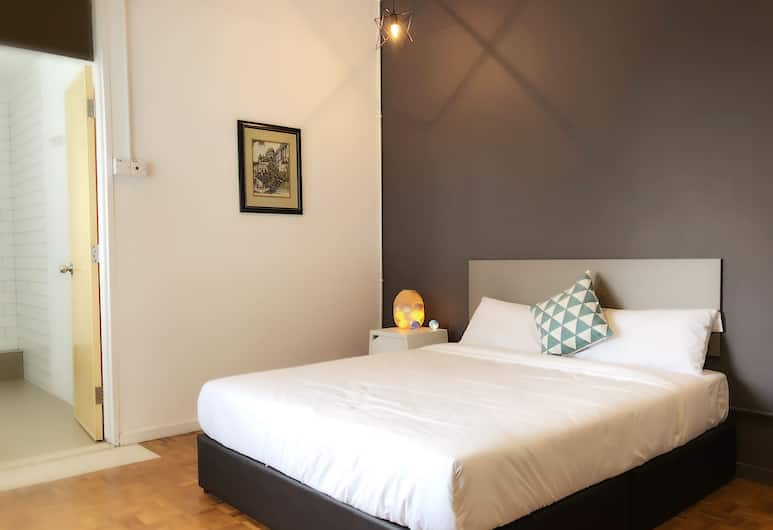 HideoutSixty4, Džordž Taunas, Liukso klasės kambarys, atskiras vonios kambarys, Svečių kambarys