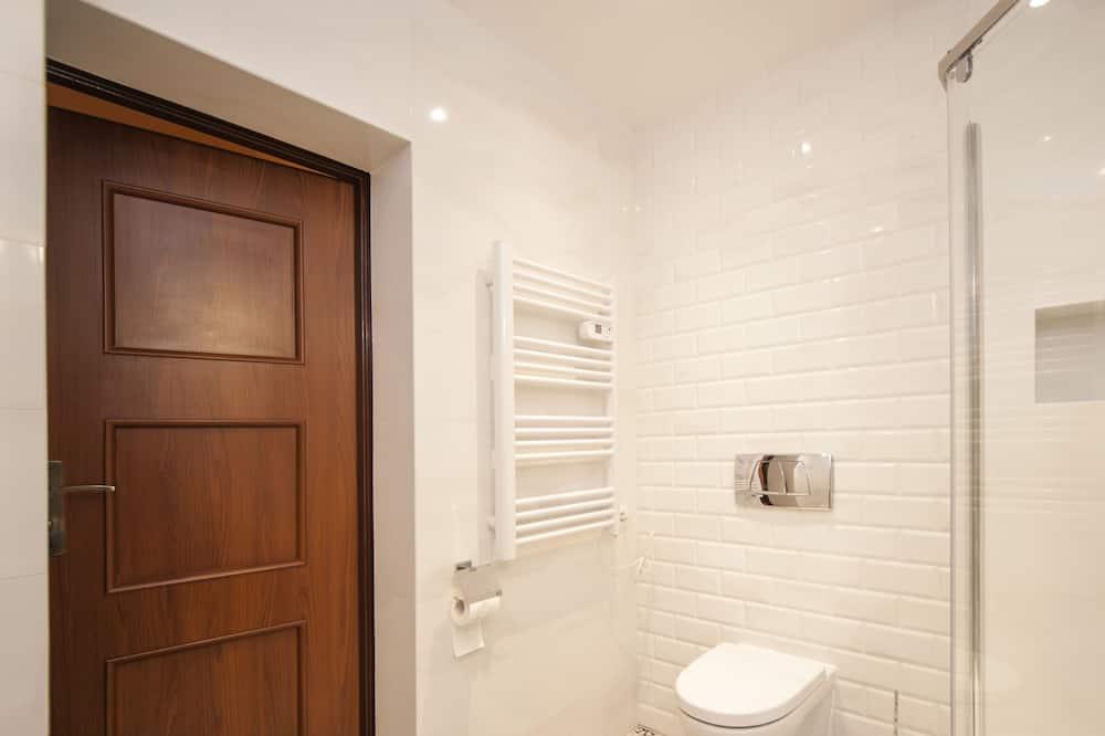 Royal Apartment - Bathroom