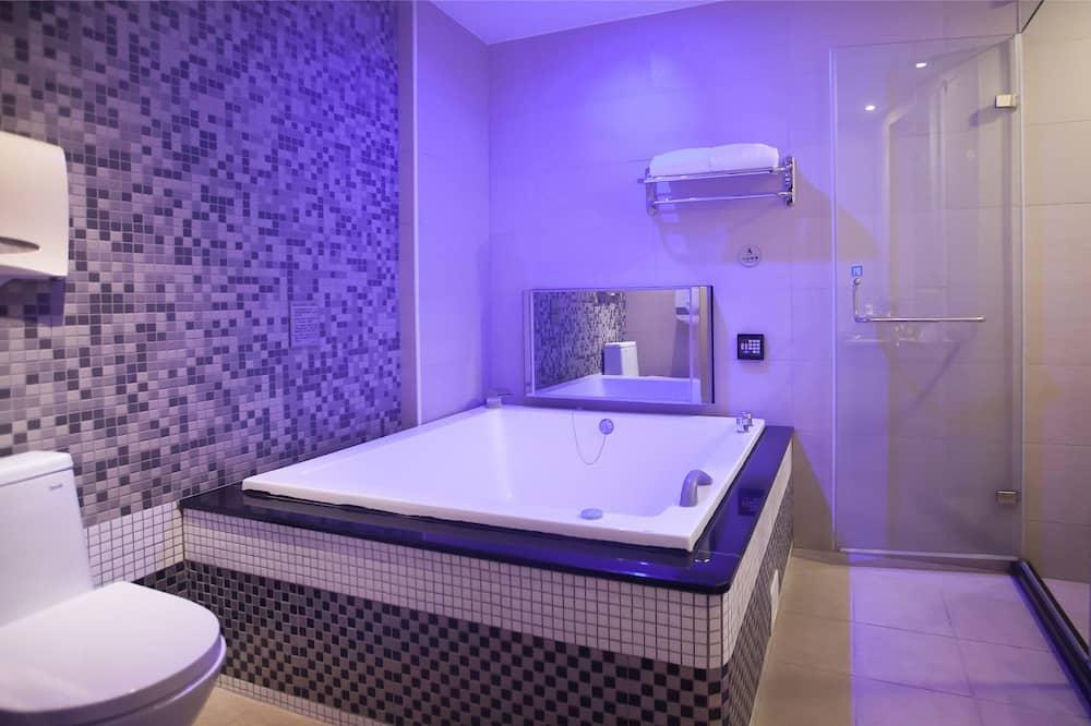 Elite Double Room - Bathroom