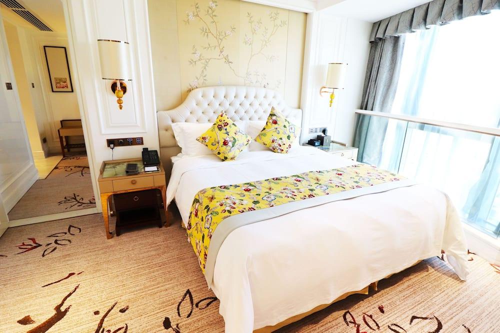 Executive Superior Suite - Living Room