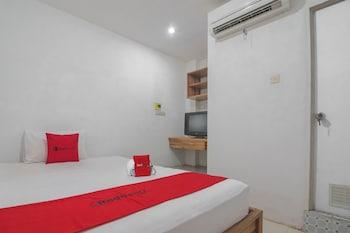 A(z) RedDoorz near Gajah Mada Pontianak hotel fényképe itt: Pontianak