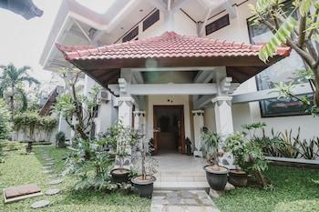 A(z) RedDoorz Syariah near Gelora Delta Sidoarjo hotel fényképe itt: Sidoarjo