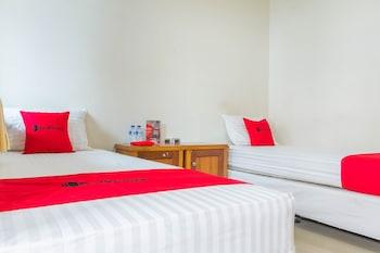 Obrázek hotelu RedDoorz near Pasar Pagi Cirebon 2 ve městě Cirebon Utara