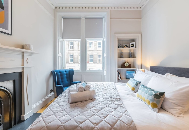 Stylish, Newly Renovated Old Town Flat, Edinburgh, Apartment (2 Bedrooms), Room