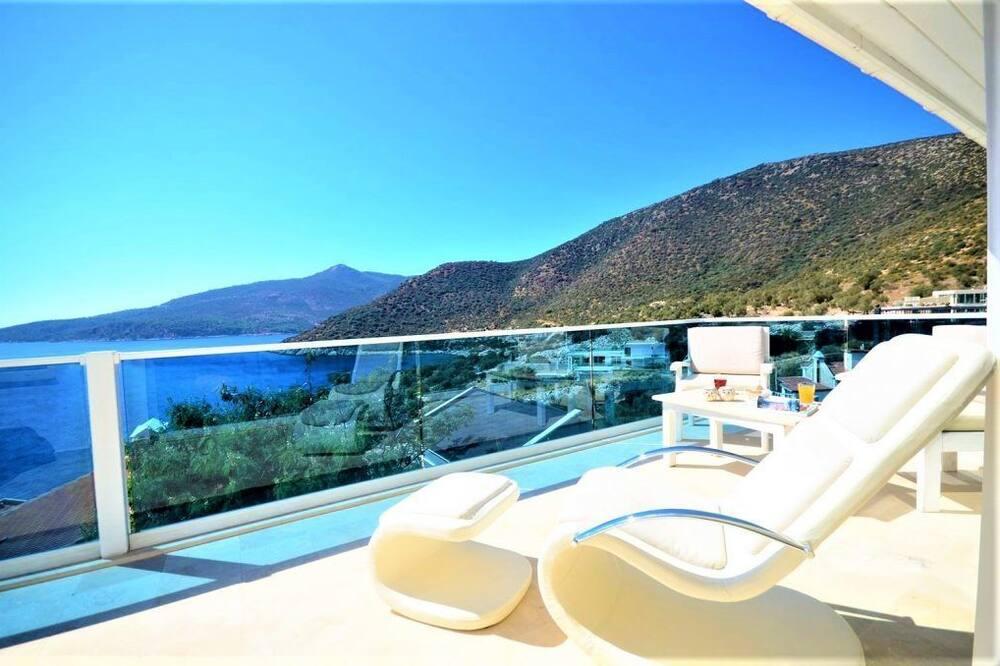 Villa, 4 Bedrooms - Balcony View