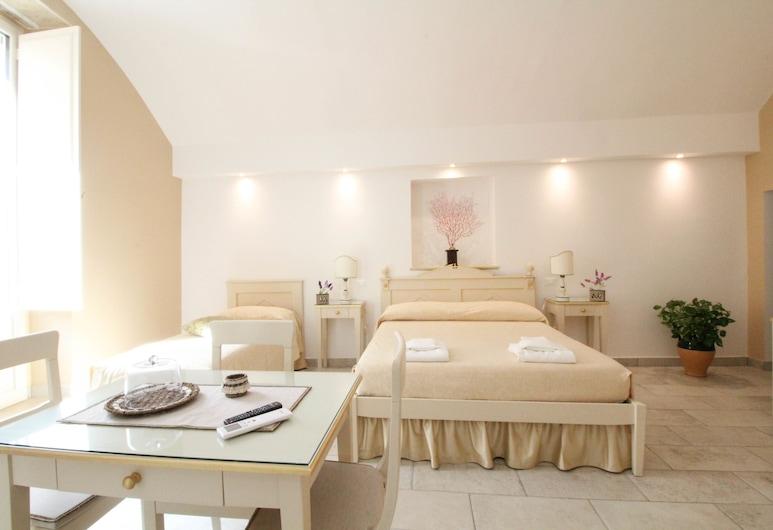 Duomo Gallipoli B&B and Apartments, Gallipoli, Superior Studio, Guest Room