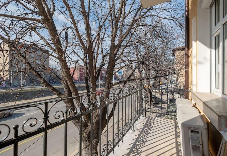 FM Deluxe 2-BDR Apartment - Fantastic Stay, Sofia