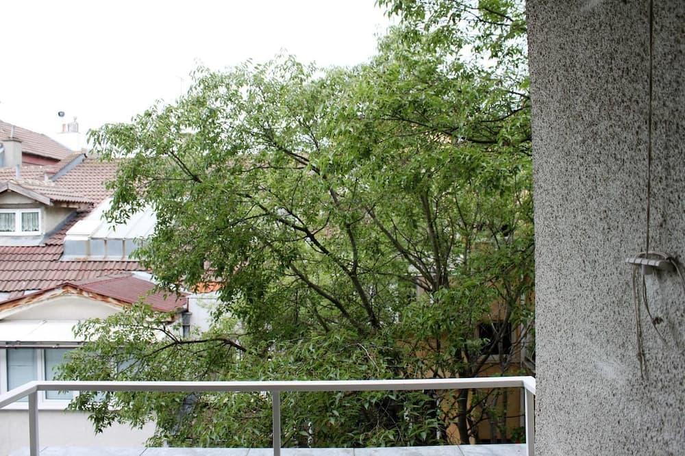 FM Premium 1-BDR Apartment - Cozy Central Varna, Varna