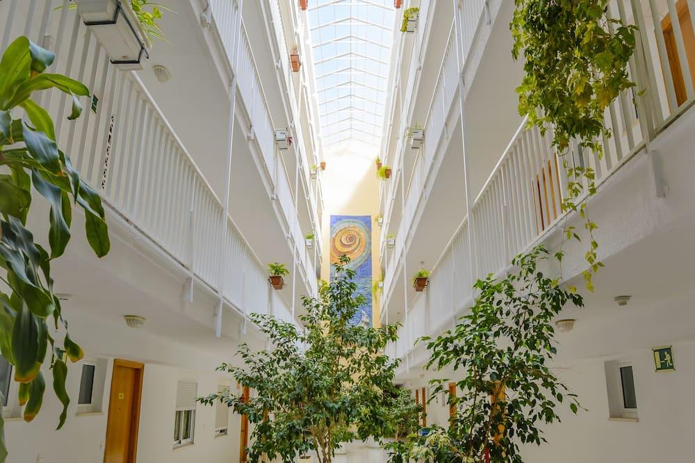 Внутрішній двір