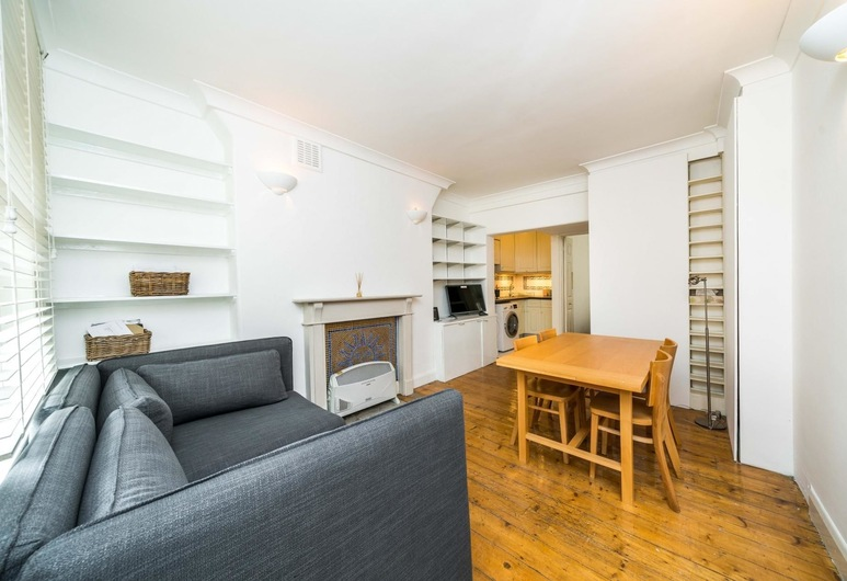 NEW 1 Bedroom Covent Garden Flat Centre of London, London