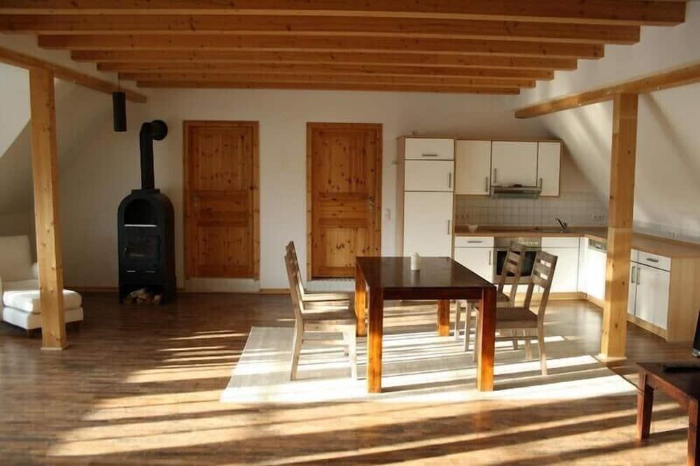 Appartement (Oldenburg) - Eetruimte in kamer