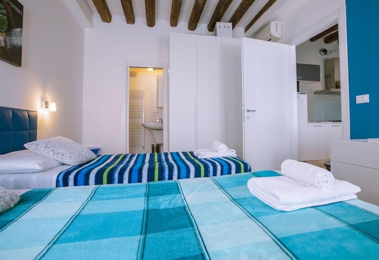 APT Arsenale, Венеция, Апартаменты «Делюкс», Несколько кроватей, для некурящих, вид на внутренний двор, Номер