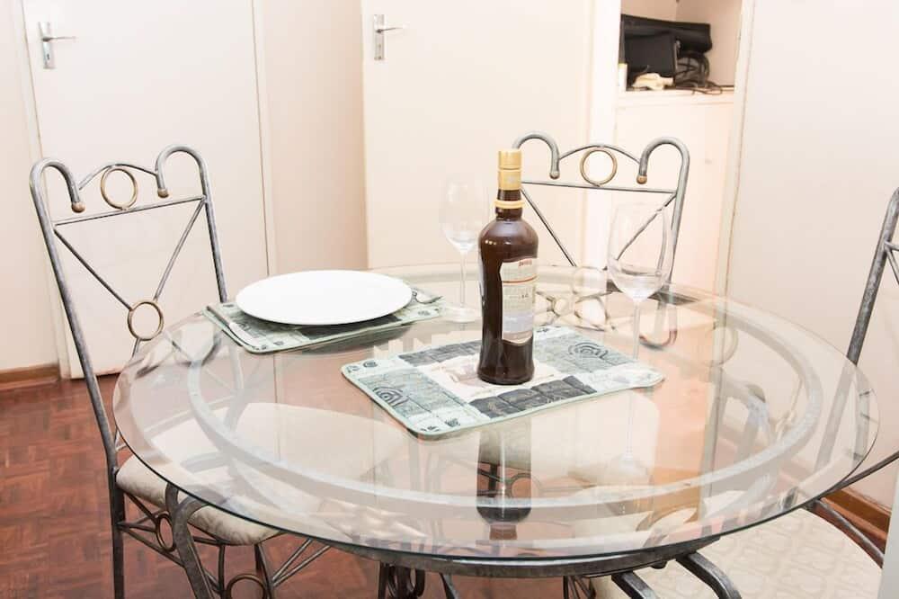 Appartement Deluxe, 2 chambres - Restauration dans la chambre