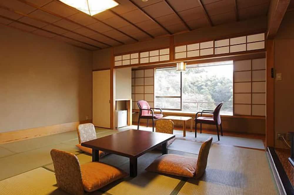 Izunagaoka Kinjokan